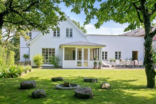 Villa på Holmegaardsvej i Holmegaard - Set fra haven