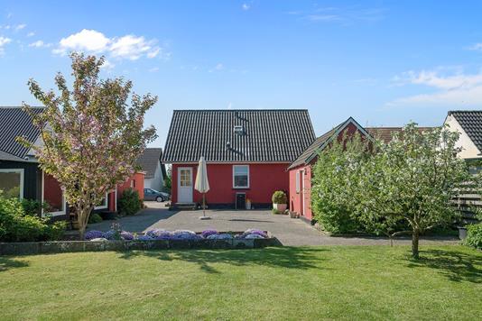 Villa på Sandholmsvej i Næstved - Ejendommen