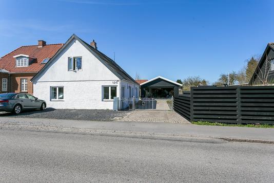 Villa på Skyttemarksvej i Næstved - Set fra vejen