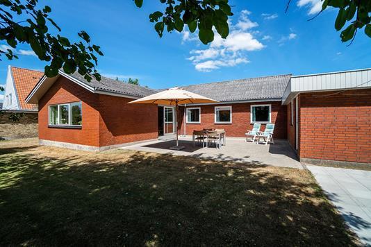 Villa på Ahornvej i Holmegaard - Set fra haven