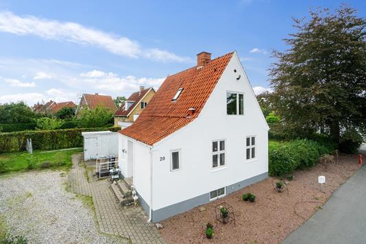 Villa på Steen Blichers Vej i Næstved - Set fra vejen