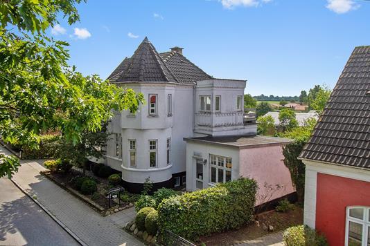 Villa på Østergade i Glumsø - Set fra vejen
