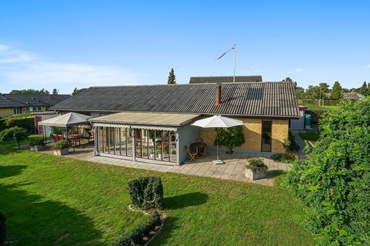 Villa på Tranevænget i Herlufmagle - Set fra haven