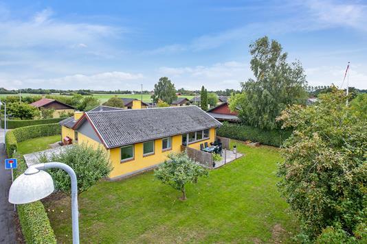 Villa på Lindevej i Sandved - Set fra vejen