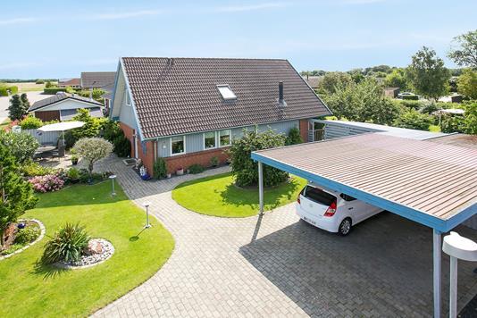 Villa på Skydevænget i Sandved - Set fra vejen