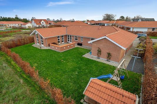 Villa på Blåbærsvinget i Holmegaard - Facade havesiden