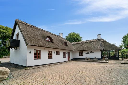 Villa på Gl Skolevej i Holmegaard - Set fra vejen