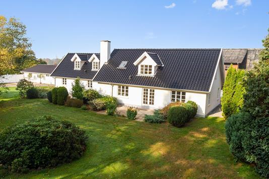 Villa på Næstvedvej i Holmegaard - Set fra haven