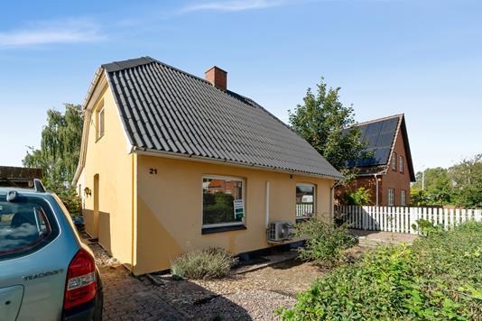 Villa på Ringstedvej i Glumsø - Set fra vejen