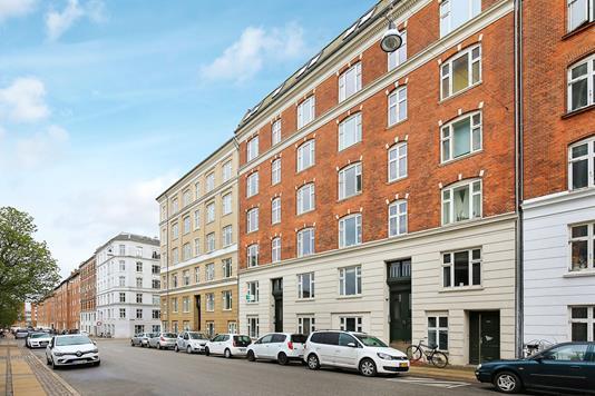 Ejerlejlighed på Nyborggade i København Ø - Ejendommen