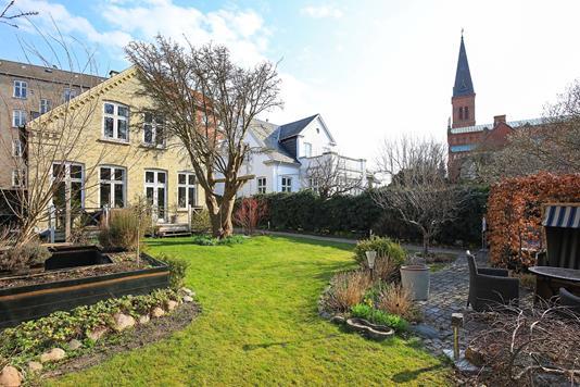 Villa på Valby Kirkevej i Valby - Have
