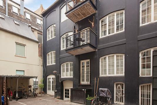 Ejerlejlighed på Silkegade i København K - Ejendommen