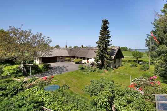 Villa på Nordhusvej i Frederiksværk - Ejendommen