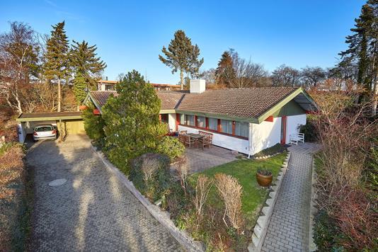 Villa på Kristtornvej i Frederiksværk - Ejendommen