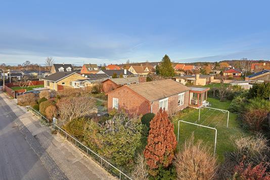 Villa på Aavej i Frederiksværk - Ejendommen
