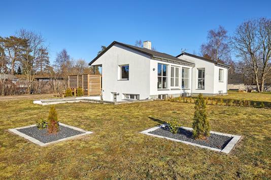 Villa på Sikavej i Frederiksværk - Ejendommen