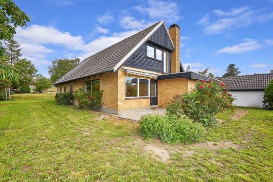 Villa på Spodsbjergvej i Hundested - Ejendommen