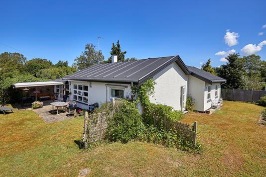 Villa på Skovløbervej i Frederiksværk - Ejendommen