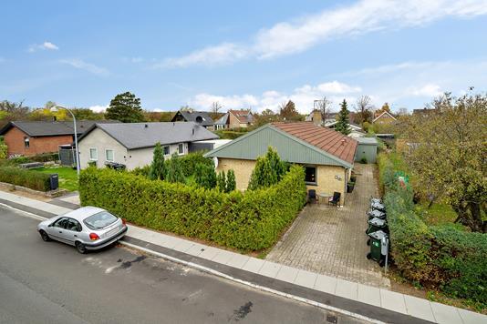 Villa på Kærmark i Hvidovre - Set fra vejen