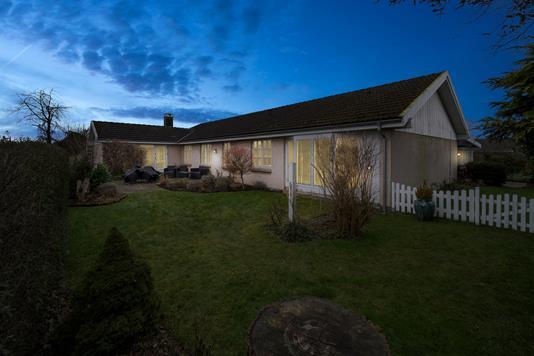 Villa på Storebjerg i Greve - Set fra haven