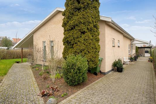 Villa på Svendebjergvej i Hvidovre - Set fra vejen