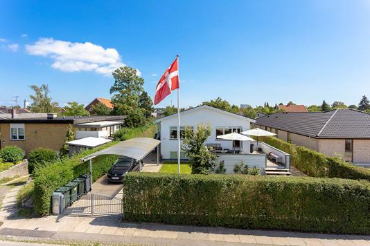 Villa på Pagteroldvej i Hvidovre - Set fra vejen