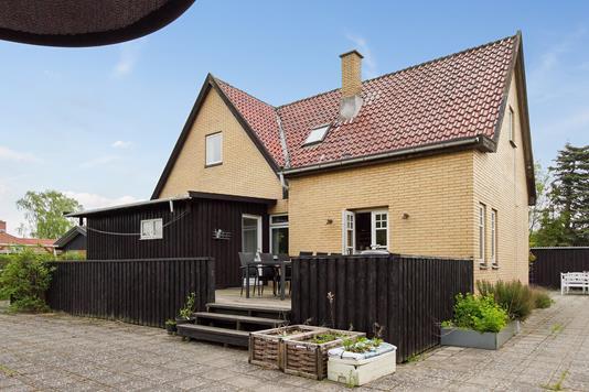 Villa på Frydenstrands Alle i Hvidovre - Ejendommen