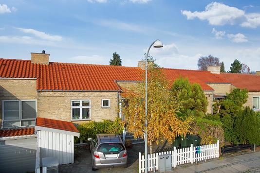 Villa på Lellinge Alle i Hvidovre - Set fra vejen