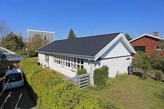 Villa på Rebæk Alle i Hvidovre - Ejendommen