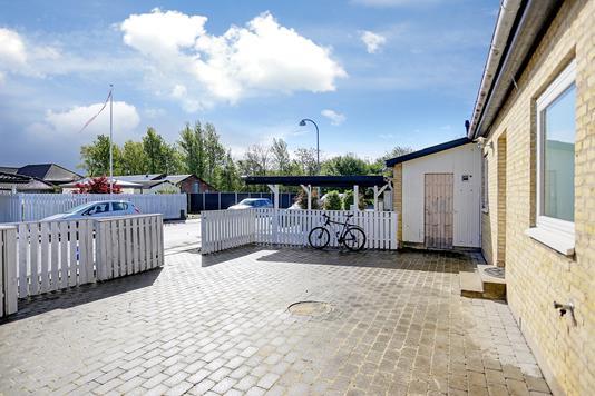 Rækkehus på Strandholms Alle i Hvidovre - Forhave