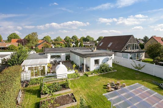 Villa på Theseus Alle i Hvidovre - Set fra haven