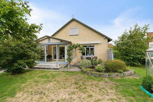 Villa på Strandby Alle i Hvidovre - Set fra haven