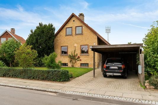 Villa på Dansvej i Hvidovre - Set fra vejen