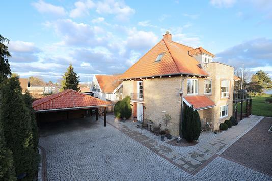Villa på Hvidovre Strandvej i Hvidovre - Ejendommen