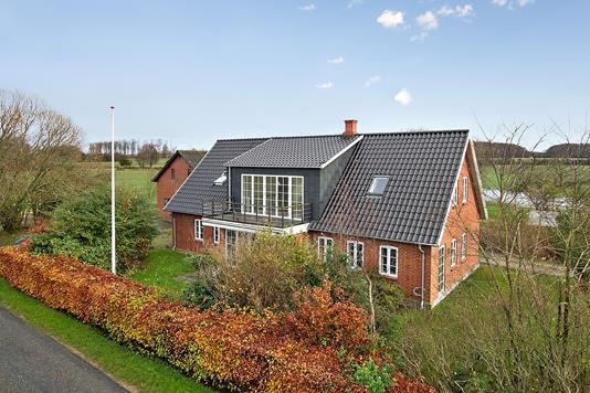 Villa på Rørth Skovvej i Odder - Ejendommen