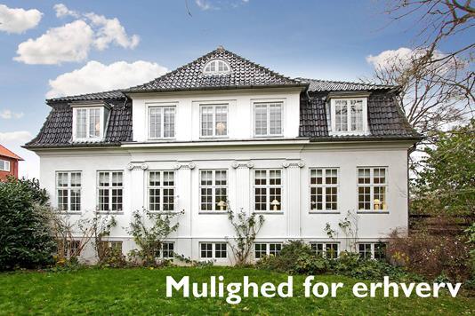 Villa på Aabygade i Odder - Ejendommen