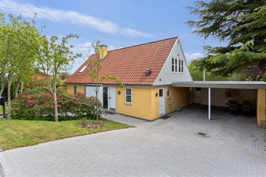Villa på Stampmøllevej i Odder - Set fra vejen