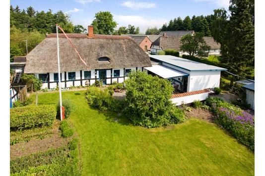 Villa på Favrgaardsvej i Odder - Ejendommen