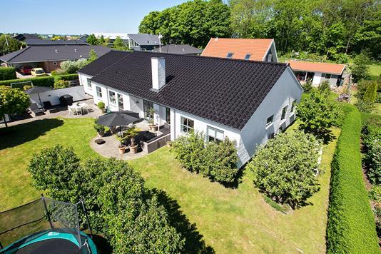 Villa på Espelunden i Odder - Ejendommen