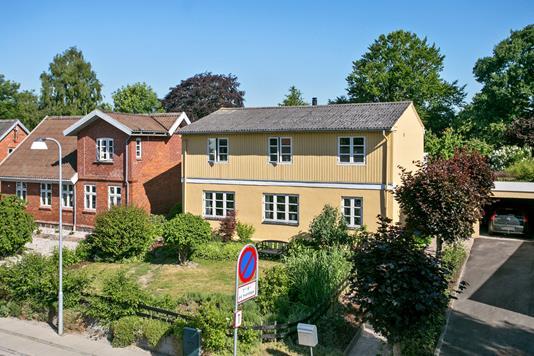 Villa på Gylling Skolegade i Odder - Ejendommen
