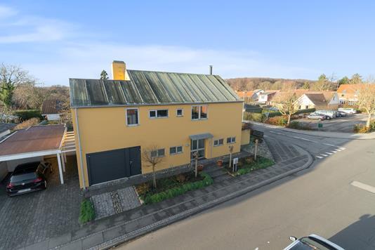 Villa på Skolegade i Odder - Set fra vejen