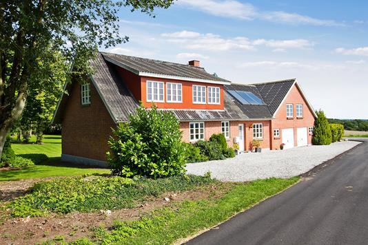 Villa på Nygaard Tværvej i Odder - Ejendommen