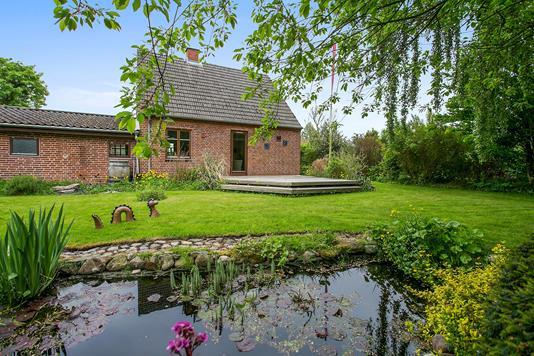 Villa på Stationsvej i Odder - Set fra haven