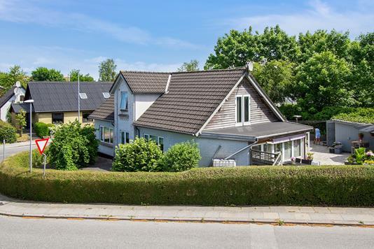 Villa på Ajstrupvej i Malling - Ejendommen