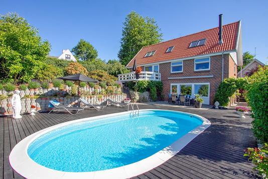 Villa på Solbrinken i Odder - Set fra haven