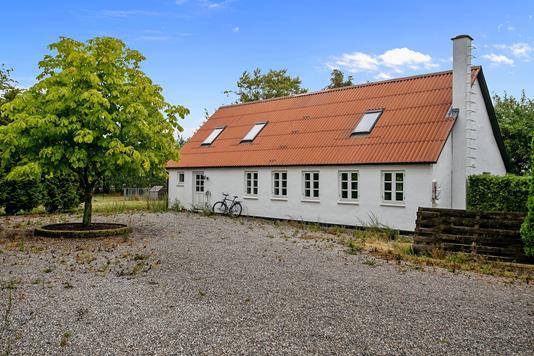 Villa på Oddervej i Hundslund - Set fra vejen
