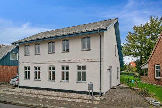 Villa på Vestergade i Odder - Set fra vejen