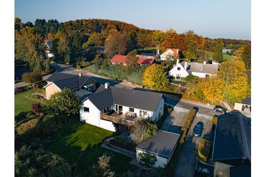 Villa på Solbrinken i Odder - Luftfoto