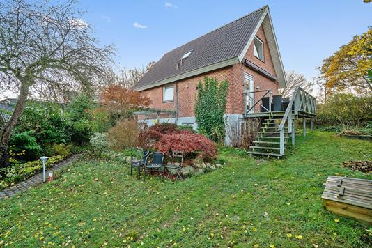 Villa på Jonasdalen i Odder - Set fra haven