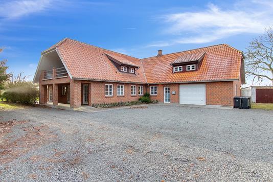 Villa på Hesselbjergvej i Odder - Ejendommen
